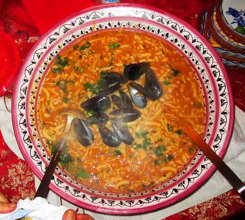 Menù di pesce: cozze, calamari e gamberoni
