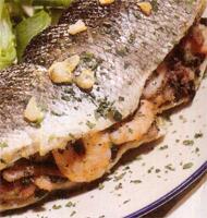 Menù di pesce: salmone, branzino e spaghetti mare e monti