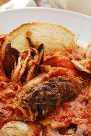 Menù di pesce: granchio, zuppa di pesce e baccalà