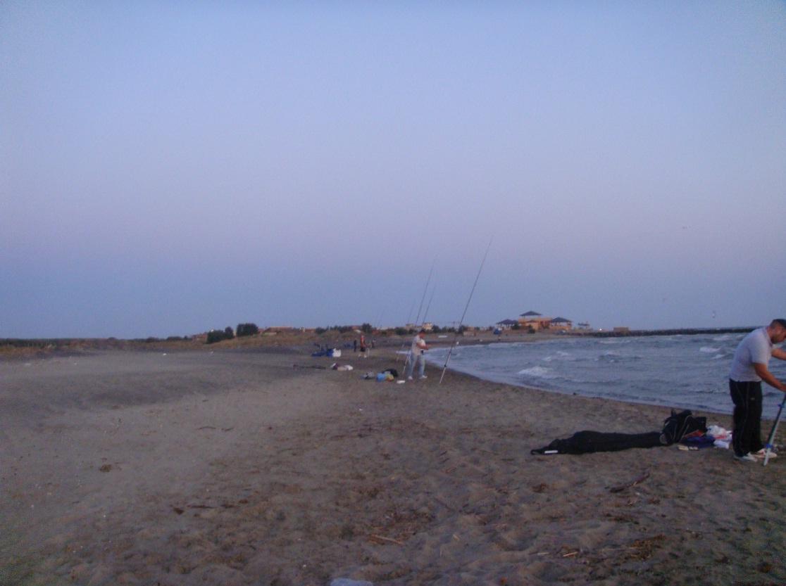 Battuta di pesca a Focene: vento, alghe e nuovi amici