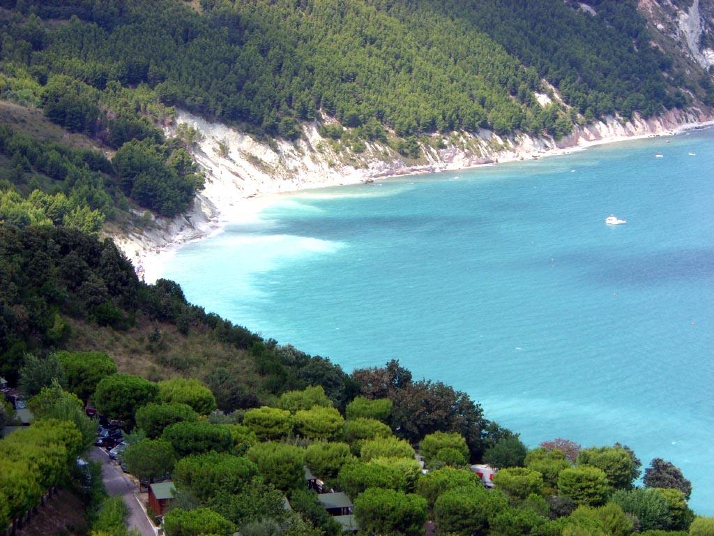 Surfcasting Marche: Spiaggia dei Sassi Neri (Monte Cornero)