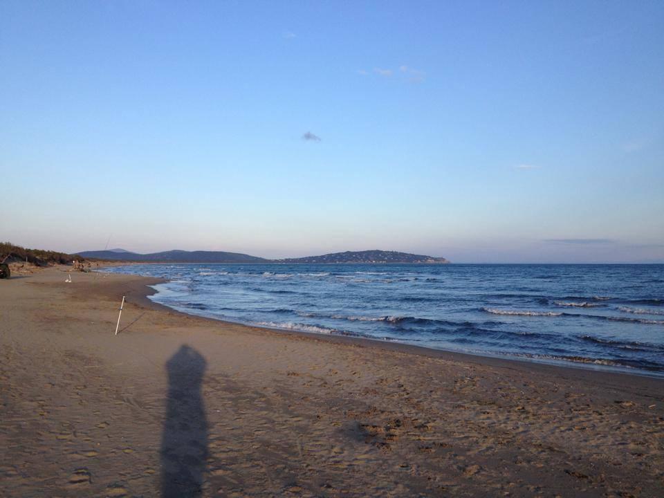 Beach ledgering Feniglia